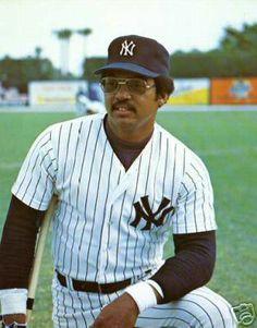 Reggie Jackson Baseball Teams, New York Yankees Baseball, Pro Baseball, Baseball Photos, Ny Yankees, Baseball Players, Baseball Cards, Mr October, Reggie Jackson