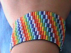 pulsera colorida  =)