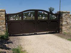 Dogwood Driveway Gate