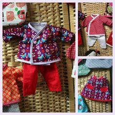 Des ensembles kimono et une petite robe pour les poupées de 38 cm