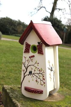 Nesting Boxes & Bird Houses - Bird Villa / Nesting Box // with .- Nesting Boxes & Birdhouses – Bird Villa / Nesting Box // painted with flowers ! – a unique product by Patricias-Traumwelt on DaWanda - Cool Bird Houses, Bird Houses Painted, Painted Boxes, Field Paint, Chicken Home, Small Fireplace, Farmhouse Garden, Bird Boxes, Kinds Of Birds