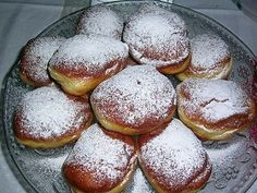 Love jelly donuts, but hate the deep fryer? Our authentic Polish Paczki recipe gives you light and airy Polish Donuts that are easy to make and healthier because they're baked, not fried! Ingredients 1 ½ c warm milk Polish Paczki Recipe, Polish Recipes, Polish Donut, Tasty Bakery, Romanian Food, No Cook Desserts, Dry Yeast, Food Illustrations, Macaroons