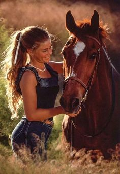 Lovely! Cute Horses, Horse Love, Beautiful Horses, Animals Beautiful, Cute Animals, Horse Senior Pictures, Horse Photos, Horse Girl Photography, Equine Photography