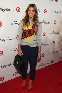 #JessicaAlba at #PhillipLim for @Target #NYFW Red Carpet! Casual sweatshirt, skinny jeans & red pumps -- nailed it!