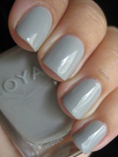 Goose's Glitter: Zoya Swatches - Greys and Blues (pic heavy!)
