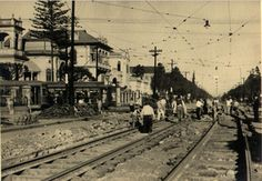 06-09-1935 - Avenida Paulista. Obras de reforma na pavimentação da via na altura do cruzamento com a avenida Brigadeiro Luiz Antônio.