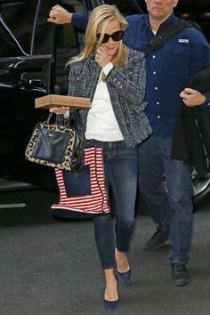 Reese Witherspoon wearing Manolo Blahnik BB Suede Pumps in Navy, Draper James Leopard Lady Satchel, Draper James Florence Tweed Blazer, Krewe Du Optic Julia Sunglasses, Frame Denim Le Skinny De Jeanne in Columbia Road and Draper James Augusta Lace Sweater with Collar in Ivory