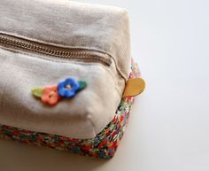 How to make cute block zipper pouch / handbag . DIY photo tutorial and template pattern. Косметичка с выкройкой. МК в фотографиях.