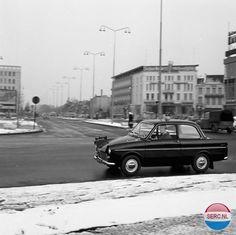 18 Septemberplein Eindhoven (jaartal: 1950 tot 1960) - Foto's SERC Eindhoven, Holland, Motor Car, Volvo, Vintage Cars, Amsterdam, Classic Cars, Design, Autos