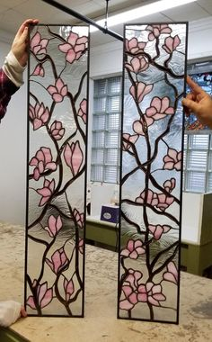 Fused Glass art Color Combos - - Crushed Glass art Videos - Sea Glass art Inspiration - Glass art On Wall Stained Glass Door, Stained Glass Flowers, Stained Glass Panels, Fused Glass Art, Sliding Glass Door, Custom Stained Glass, Glass Doors, Glass Painting Designs, Stained Glass Designs