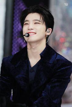 The gorgeous guy in the planet ♡ Jeonghan, Wonwoo, The8, Seungkwan, Vernon, Dino Seventeen, Seventeen Debut, Seventeen Woozi, Hip Hop
