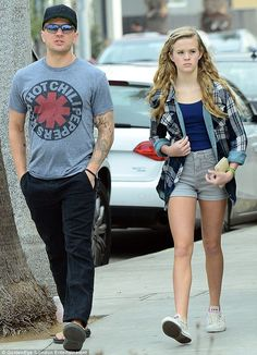 Ryan Phillippe was accompanied by daughter Ava on Sunday. The pair were spotted as they took a leisurely stroll in Santa Monica – but Crash star Ryan looked a little tired during their brief outing. Ava Phillipe, Ava Elizabeth Phillippe, Reese Witherspoon Daughter, Reese Witherspoon Style, Ryan Phillippe Kids, Celebrity Couples, Celebrity Style, Celebrity Children, Katy Perry Body