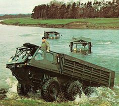 Alvis Stalwart's on a river crossing in Germany Army Vehicles, Armored Vehicles, Military Army, Military History, Raiders, Amphibious Vehicle, British Armed Forces, British Army, Custom Trucks