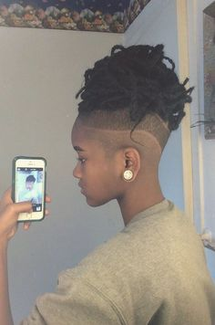 short dreads with fade woman Shaved Side Hairstyles, Dreadlock Hairstyles, Braided Hairstyles, Dreadlocks Undercut, Undercut Pompadour, Prom Hairstyles, Natural Hair Care, Natural Hair Styles, Braids With Shaved Sides