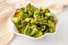 Hcg Diet Recipes, Ketogenic Recipes, Low Carb Recipes, Cooking Recipes, Healthy Recipes, Free Recipes, Brussel Sprout Chips, Brussels Sprouts, Creamy Dill Sauce