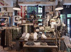 Яркий магазин Denim & Supply в Нью-Йорке