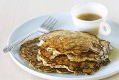 Why not try our recipe for Oatmeal-Cinnamon Pancakes. The oatmeal and whole wheat flour team up to boost the dietary fibre is these delicious pancakes. Savoury Pancake Recipe, Savory Pancakes, Pancakes Easy, Breakfast Pancakes, Breakfast Recipes, Breakfast Ideas, Oat Muffins, Oatmeal Pancakes, Pancake Shop