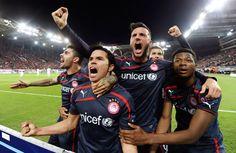 Olympiakos Anderlecht 3-1  #Saviola #UEFA_Champions_League Uefa Champions League, Gate, Greece, Club, Sports, Hs Sports, Portal, Sport, Grease