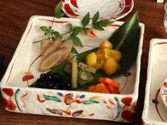 赤絵花舞重箱/陶器の重箱(3段) - 【おとなの和食器屋 さんすい通販本店】