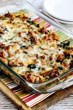 Low-carb sausage and kale mock lasagna is the perfect Keto diet. Low-carb sausage and kale mock lasagna is the perfect Keto diet dinner recipe Keto Foods, Ketogenic Recipes, Ketogenic Diet, Hcg Diet, Healthy Potato Recipes, Low Carb Recipes, Cooking Recipes, Cauliflower Recipes, Atkins Recipes