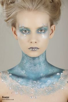 Ice queen make up Ice Makeup, Ice Queen Makeup, Makeup Art, Snow Makeup, Fairy Makeup, Mermaid Makeup, Frozen Makeup, Ice Princess Makeup, Makeup Ideas