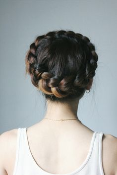 // Dutch Crown Braid //