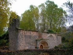 Ermita de la Virgen de la Calzada, Brias- Del árbol caido, todos hacen leña...y del templo caído, cantera