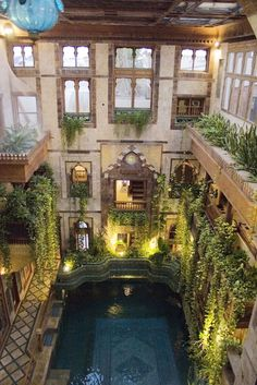 pool in Sami Angawi house in Jeddah Saudi Arabia gorgeous Interior Exterior, Exterior Design, Interior Architecture, Amazing Architecture, Beautiful Homes, Beautiful Places, Beautiful Beautiful, Piscina Interior, 3 Living Rooms