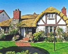 'Hobbit House' In Vancouver For Sale (PHOTOS)