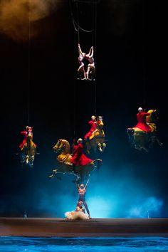 Cirque du Soleil, 'O', Hotel Bellagio, Las Vegas. http://blog.weplann.com/o-cirque-du-soleil-las-vegas/