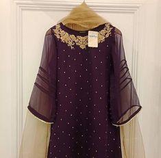Pakistani Party Wear Dresses, Beautiful Pakistani Dresses, Shadi Dresses, Pakistani Wedding Outfits, Designer Party Wear Dresses, Pakistani Dress Design, Nikkah Dress, Indian Dresses, Stylish Dresses For Girls