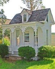 pretty summer house playhouse #heirloomheaven