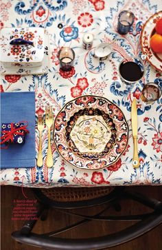Table setting exquisite printed tablecloth for a lively tablescape