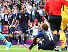 サッカー日本男子、初戦白星