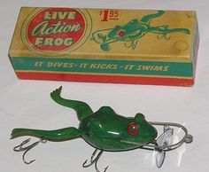 Tough-Live-Action-Frog-Fishing-Lure-in-Box-Vintage-Bait