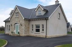 Donegal Sandstone with Plinth Detail - Coolestone Stone Importers Suppliers Masonry Tyrone Northern Ireland rooms ireland Modern Bungalow Exterior, Bungalow House Design, Dream House Exterior, Small Bungalow, Bungalow Ideas, Dormer House, Dormer Bungalow, House Designs Ireland, Self Build Houses