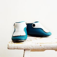 SHOES~Vintage Baby Shoes Teal Turquoise Moccasins by WillowTreeAntiques.