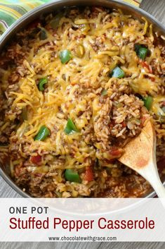 Cheesy One Pot Stuffed Pepper Casserole. An easy weeknight meal made with ground beef and rice. The post One Pot Stuffed Pepper Casserole Chocolate With Grace appeared first on Tasty Recipes. Stuffed Pepper Casserole, Beef Casserole, Casserole Recipes, Stuffed Peppers, Green Pepper Casserole, Skillet Recipes, Casserole Dishes, Easy Baking Recipes, Easy Dinner Recipes