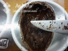 retirar-exceso-chocolate-bordes