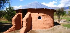 Building a Small House by Hand Building A Small House, Cob Building, Build Your Own House, Building Systems, Building Ideas, Casa Yurt, Super Adobe, House With Land, Earth Bag Homes