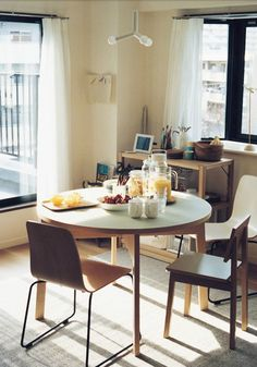 Small dining rooms that save up on space.
