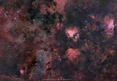 24 отметок «Нравится», 1 комментариев — Astrobitácora (@astrobitacora) в Instagram: «Esta espectacular imagen es el paisaje de la constelación de Sagitario. Está repleta de nebulosas…»