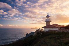 Две Испании по цене одной. Любимое Средиземноморье и завораживающие побережье Атлантики за 114 000 рублей.
