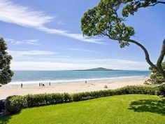 Takapuna Beach, North Shore, Auckland, New Zealand