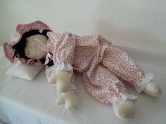 boneca de pano confeccionada em tecido 100% algodão,roupa lavável,enchimento anti-alérgico. R$ 48,90