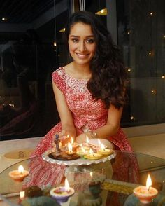 Shraddha Kapoor wishing all a Safe and Happy Diwali. Prettiest Actresses, Beautiful Actresses, Indian Celebrities, Bollywood Celebrities, Diwali Pictures, Diwali Pics, Shraddha Kapoor Cute, Sraddha Kapoor, Ranbir Kapoor