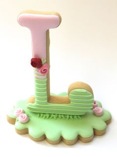 3D letter cookie by Miss Biscuit