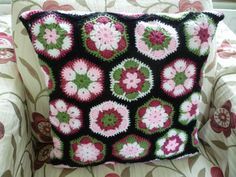 The black background really makes it pop.  [#crochet #africanflowerhexagon black background]