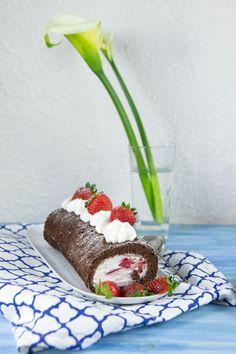 rotolo al cioccolato con panna e fragole (5.2)
