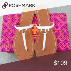 ✨🆕✨{Tory Burch} White T Logo Sandals Color: white, gold logo. Brand new in box, never been worn. Please know/be familiar to your own Tory Burch sizing. ❗️Price is firm, even when bundled ❗️   ❌ No Trades/ No PayPal  ❌ No Lowballing  ✅ Bundle Discounts ✅ Ship Same or Next Day 💯 % Authentic Tory Burch Shoes Sandals